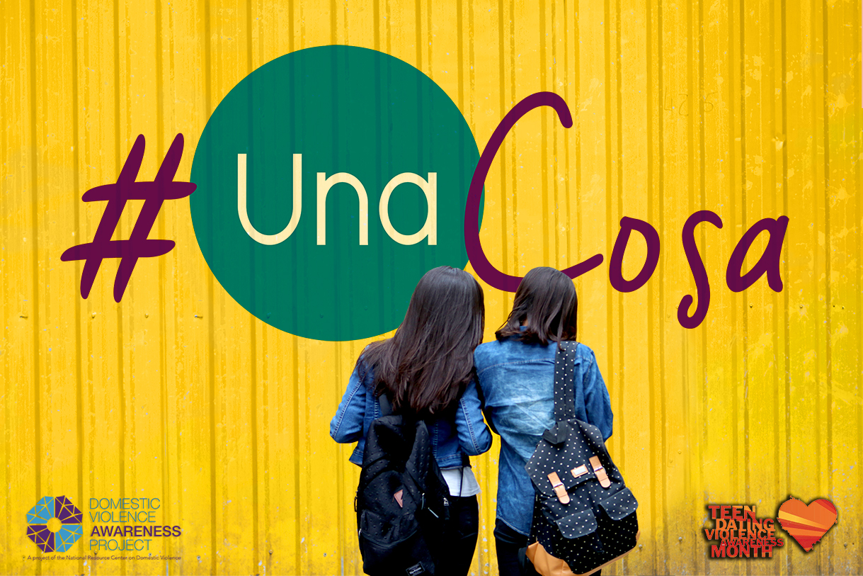 image of two girls in front of yellow wall with #UnaCosa logo